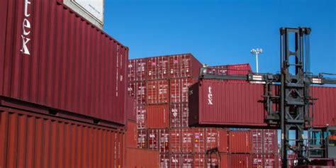 textainer container leasing