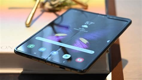 samsung responds to galaxy fold screen issues gizmodo