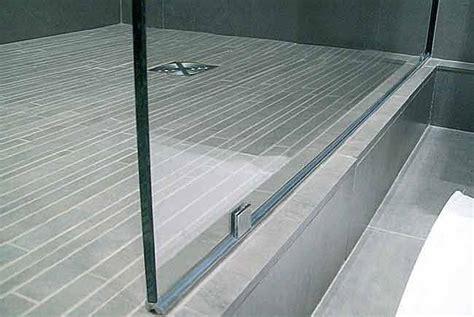 comment poser un pare douche etape effectuer un joint