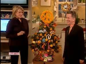 christmas tree decorations with simon doonan videos holidays how to s and ideas martha stewart