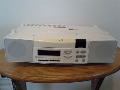 ge spacemaker cabinet cd player fm am radio clock