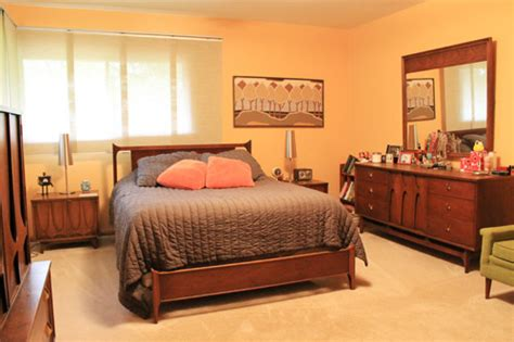 craigslist bedroom sets find great vintage furniture deals on craigslist 4 tips 11327 | Brasilia Bedroom Set