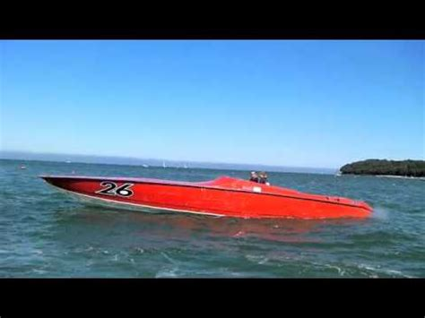 Jaws Race Boat by A Fast Boat Ride 2