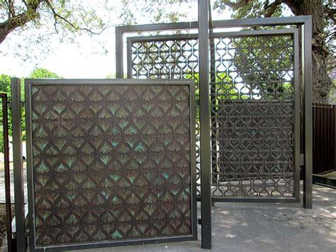 gates  ginkgo leaf design