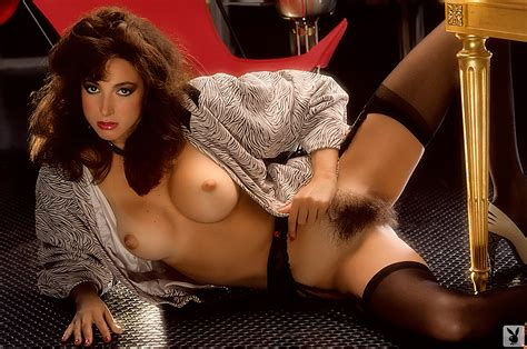 nude playmate pamela saunders
