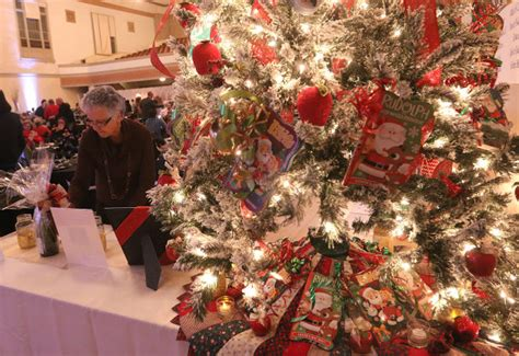 hanford chamber tree auction