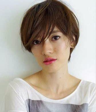 trend gaya model rambut pria  wanita korea terbaru