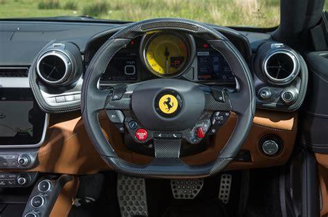 Che fornisce un raffreddamento maggiore dando allo stesso tempo un aspetto più aggressivo all'auto. Ferrari GTC4 Lusso 2017 UK review | Autocar