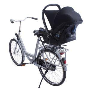 siège bébé pour vélo famille cycliste solutions pour emmener vos enfants à