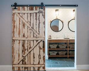 5 Things Every Fixer Upper-Inspired Farmhouse Bathroom
