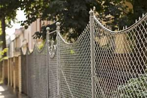 101 Fence Designs, Styles and Ideas (BACKYARD FENCING AND