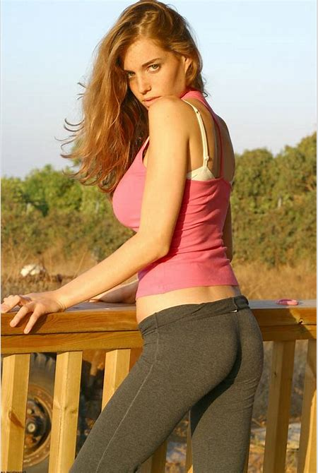 Amit Freidman, Israeli, Model, Yoga Pants, Leggings, Blonde, Looking Back Wallpapers HD ...