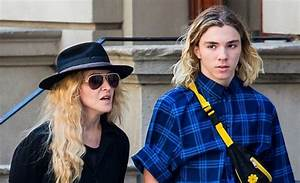 Madonna loses custody of Rocco Ritchie to ex - All 4 Women