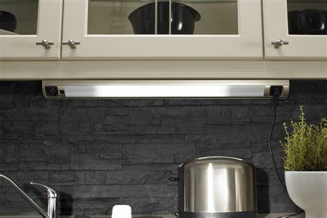 lumiere sous meuble haut cuisine awesome le pour un meuble de cuisine led en cuisine