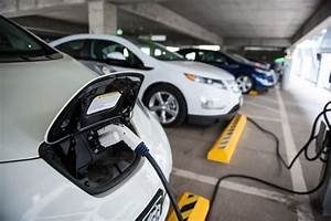 Arizona Governor Ducey Signs Mou To Create Electric Vehicle Corridor