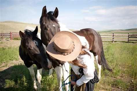 riding montana horseback vacations ranch roundup