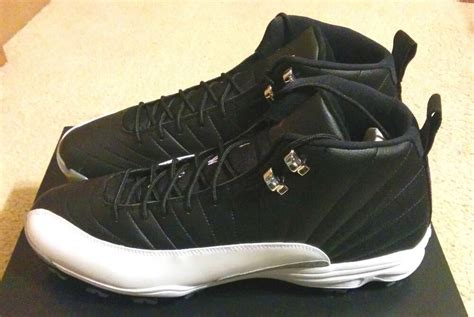 nike air jordan retro  xii playoffs cleat baseball