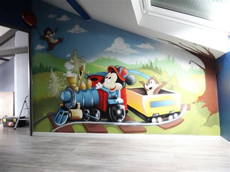 decoration chambre mickey gimus décoration chambre d 39 enfant graffiti quot mickey tic