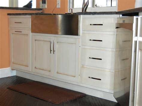 Glazing Kitchen Cabinets   A Creative Mom