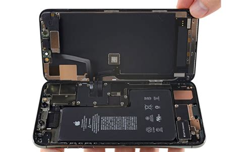 iphone pro max hardware points latent bilateral