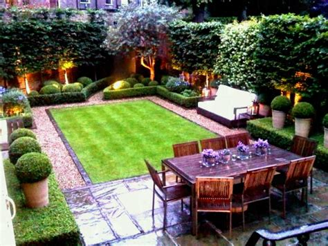 Small Backyard Ideas For Spacing