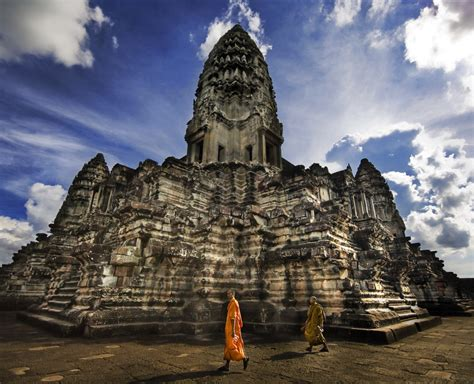 See And Experience The World Angkor Wat An Ancient City