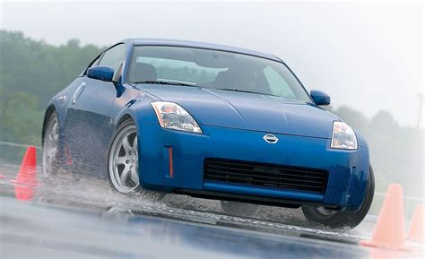 nissan  road test reviews car  driver