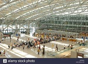 Webcam Flughafen Hamburg : flughafen hamburg terminal 1 stock photo royalty free image 7851929 alamy ~ Orissabook.com Haus und Dekorationen