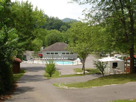foothills rv park cabins pigeon forge tn foothills rv park cabins 5 photos pigeon forge tn