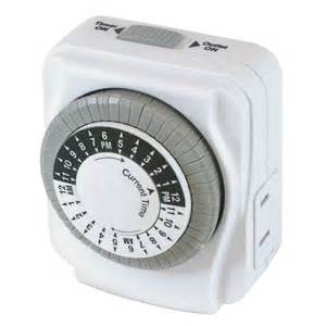 shop utilitech daily timer white 15 amp mechanical residential plug in lighting timer at lowes com