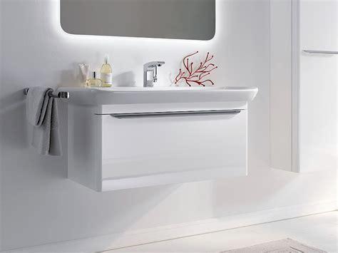 chambre laqué blanc brillant meuble de salle de bain sobre et design myday de allia