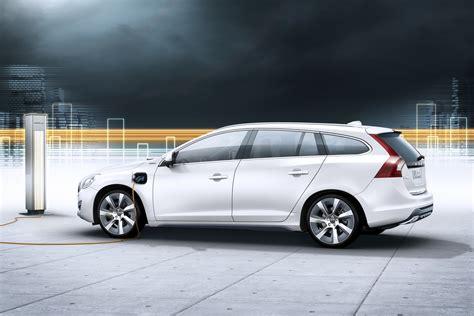 Official New Volvo V60 Plug In Diesel Hybrid To Go On