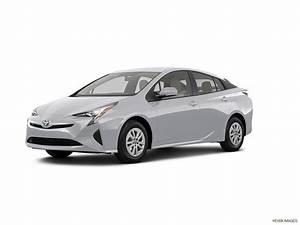 Toyota Prius Versions : car pictures list for toyota prius 2018 eco qatar yallamotor ~ Medecine-chirurgie-esthetiques.com Avis de Voitures