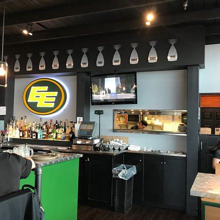 Bar Edmonton by Edmonton Eskimos Sports Bar Restaurant Reviews Phone