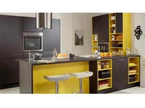 deco cuisine gris et noir déco cuisine jaune et gris