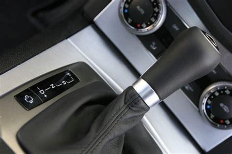levier de vitesse boite automatique  assez dure