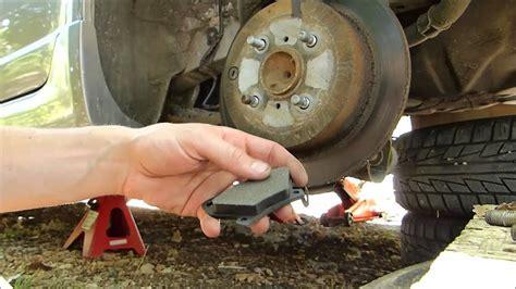 comment changer les plaquettes de frein arriere sur scenic 2 comment changer disques et plaquettes de freins arri 232 re sur toyota yaris ts