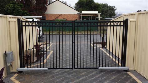 swing gate swing gates