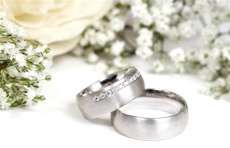 tungsten or titanium which metal to choose for your wedding band