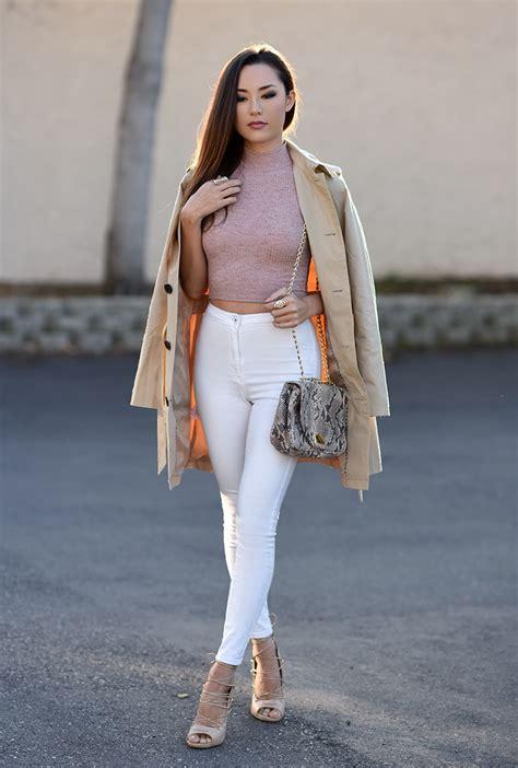 How To Wear High Waisted Jeans (Outfit Ideas) 2018 | FashionTasty.com