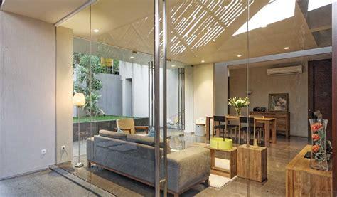 deeroemah arsitektur rumah tropis modern  mungil