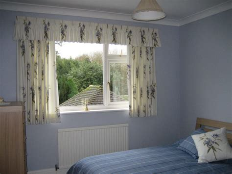 choose elegant short curtains  bedroom atzinecom