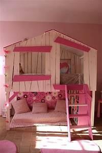 Cabane Chambre Fille : un lit cabane rose pour les filles chambres th me pour enfants pinterest roses ~ Teatrodelosmanantiales.com Idées de Décoration
