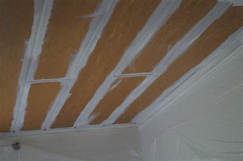 Beschichtete Paneele Streichen by Beschichtete Paneele Streichen Holzdecke Streichen Die