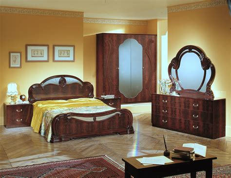 Melania Italian Classic 5pc Bedroom Set