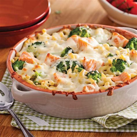 gratin de macaronis au saumon et brocoli recettes cuisine et nutrition pratico pratique