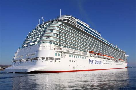 26 Beautiful How Many Cruise Ships Are There In The World | Fitbudha.com
