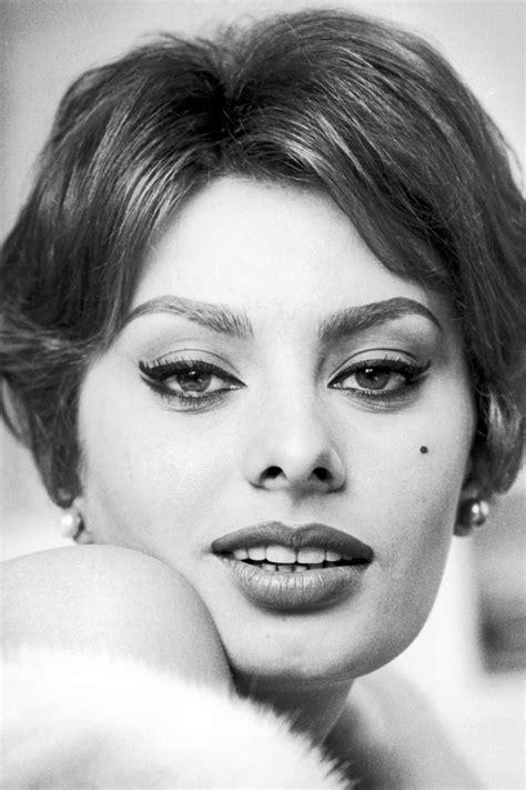 20 Photos Of Sophia Loren  Sophia Loren