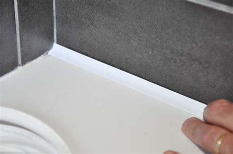 joint pour plan de travail cuisine un joint d étanchéité prêt à poser decorer sa maison fr