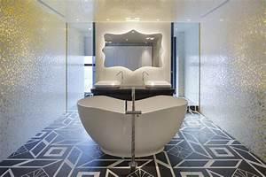 appartement chinois deco coloree salle de bain avec With salle de bain baignoire ilot